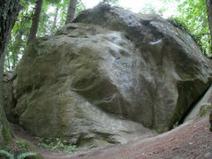 Rock Climbing Photo: Boulder Lip Traverse starts in the crack, dynoing ...