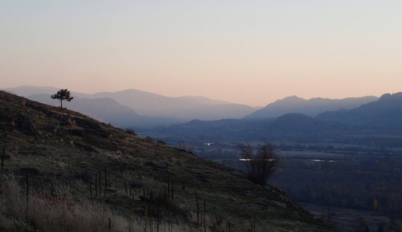 End of the day view down the Okanogan Valley