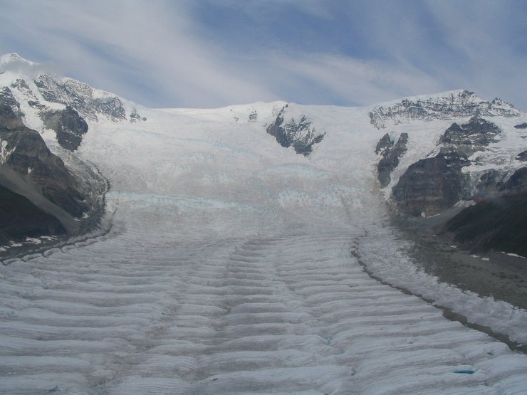 Rock Climbing Photo: Mt. Regal feeds the Stairway Icefall, it's bigger ...