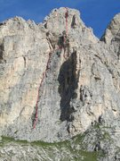 Rock Climbing Photo: Trenker Riss, route sketched in red (approximate l...