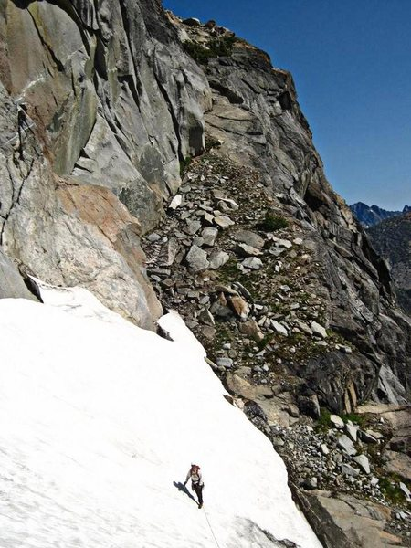 The access ramp to the upper Ice Cliff Glacier from the Lower North Ridge.