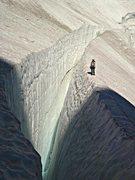 Rock Climbing Photo: Large crevasse on the upper Ice Cliff Glacier.