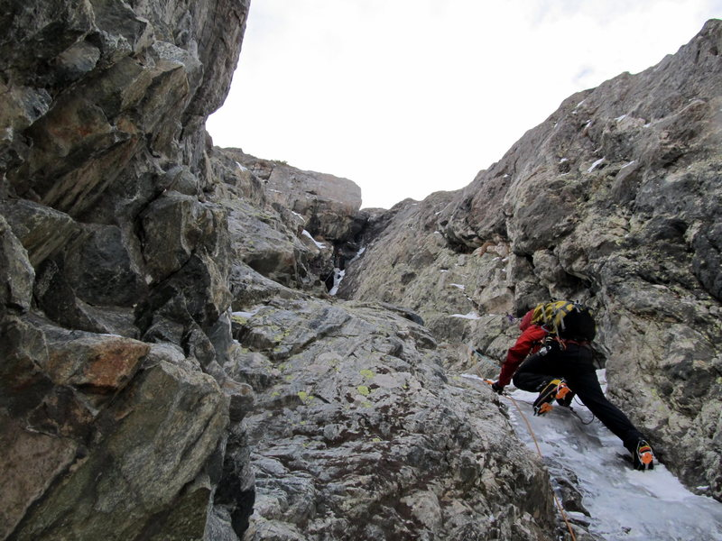 First pitch of Chimney in thin conditions, 12/2011.