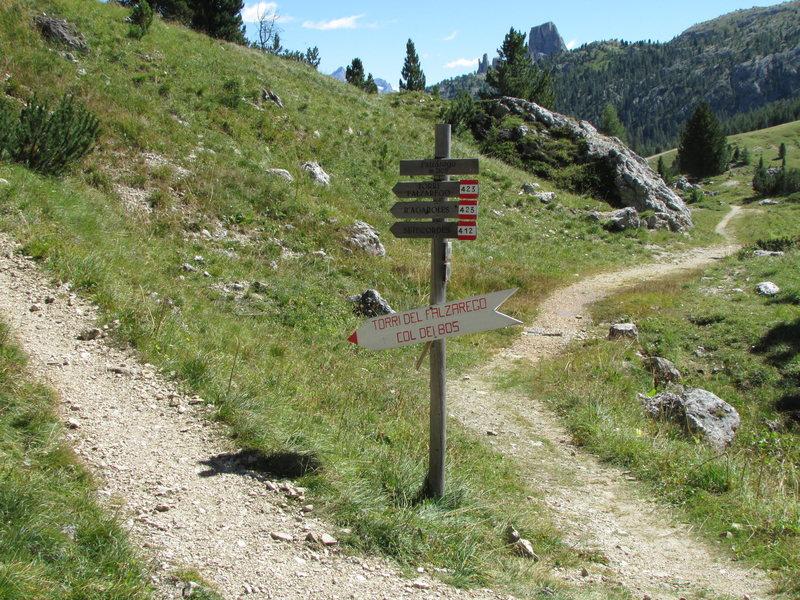 Rock Climbing Photo: Near Falzarego Pass; start of the path to Falzareg...