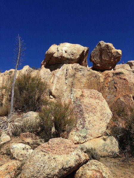 Rock Climbing Photo: Anchors at the top of the route are hidden and har...