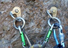 Rock Climbing Photo: New Fixe Draco SS anchors on Luscious