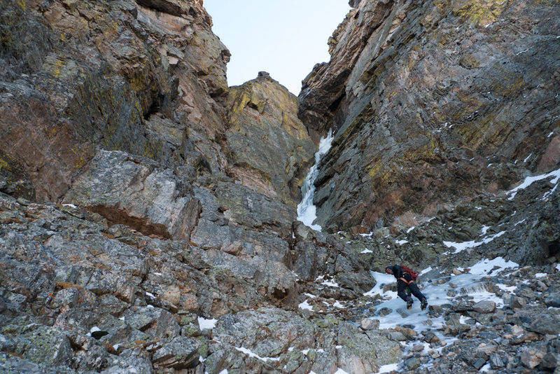 A nice ice pitch ahead, below the crux pitch.