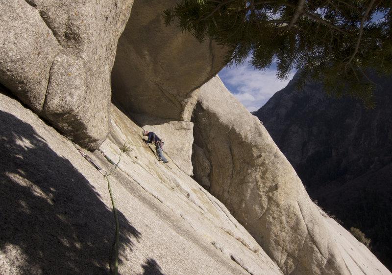 Rock Climbing Photo: Kev traversing on pitch 4