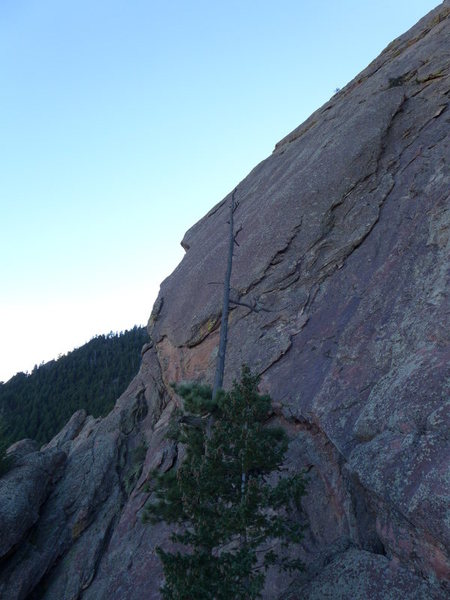 Another view of the route from the E Face (the notch is visible where you turn the corner onto the slab).