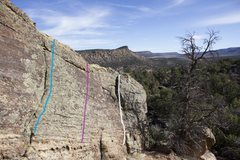 Rock Climbing Photo: Slabalicious Boulder route guide right side:  Blue...