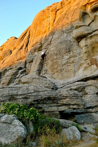 Rock Climbing Photo: Chasing the sun on the last lap at Breadloaves.  S...