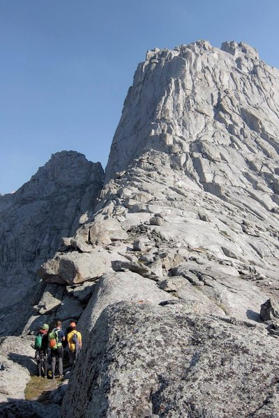 Great look at the South Buttress of Pingora from the southern shoulder approach