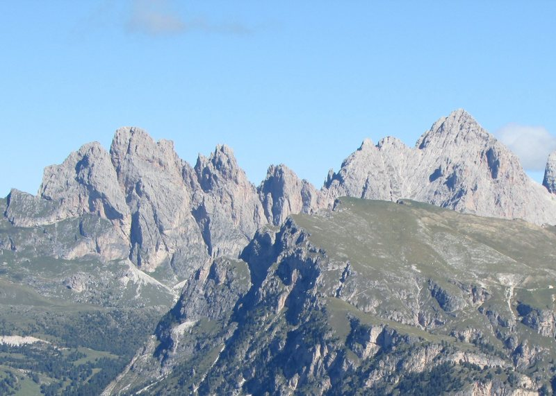 High Summits of the Geislergruppe; Sas Rigais is the peak at the right margin.