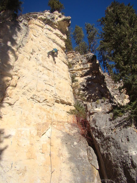 Tony takes down Polar Baird, 5.12c.<br>