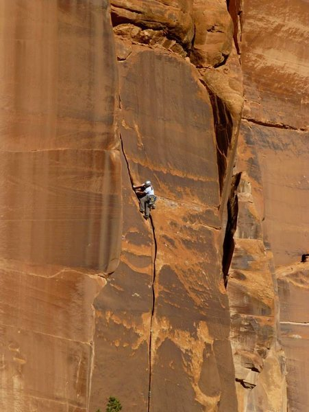 Rock Climbing Photo:  ...on The Curve just below the upper crux. Beauti...