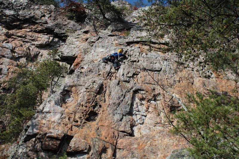 Rock Climbing Photo: Red Wall  SeamStress(5.8)trad  Crowders Mountain S...