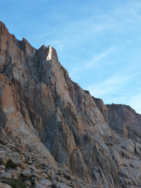 Rock Climbing Photo: This is Cohete. The route begins in the gully and ...