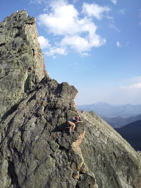 Fast and light afternoon ascent of Blitzen ridge with Stefan Griebel. Downclimbing one of the aces before continuing up.
