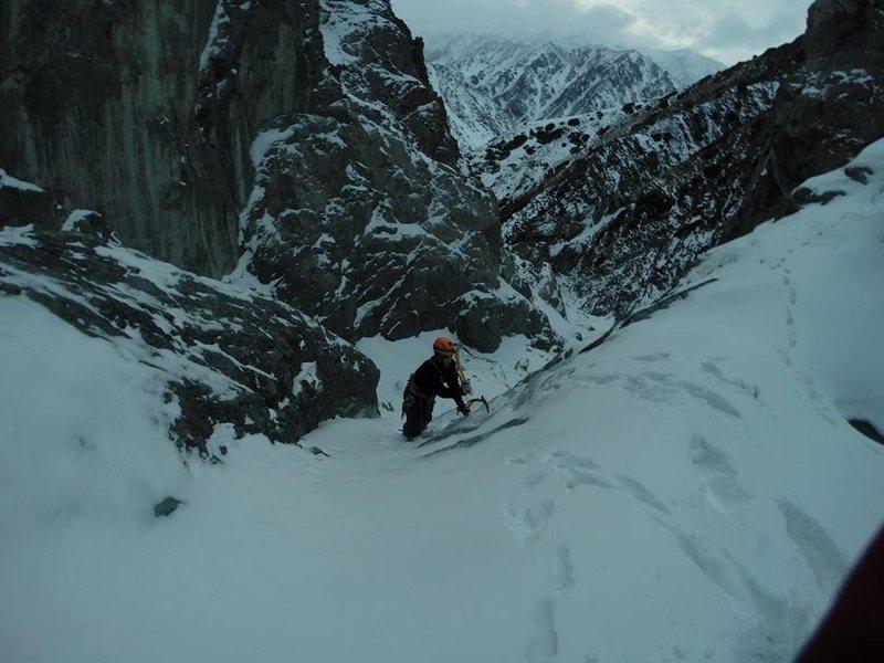 Rock Climbing Photo: Solo ice on an easy 15 meter pitch in Sharkaraktma...