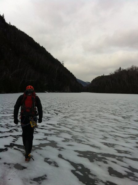 Rock Climbing Photo: Crossing Chapel Pond Pass to climb in the Canyon. ...
