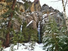 Rock Climbing Photo: Trail 4 Ice Flow on 04/21/13.