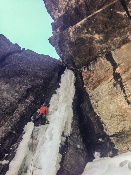 Billy leading up the Deep Freeze pillar.