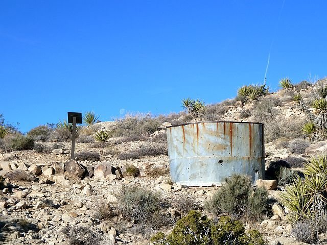 Rock Climbing Photo: Mining relics near the Desert Queen Mine, Joshua T...