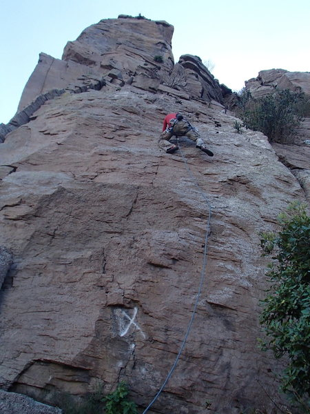 Rock Climbing Photo: Mike heading straight to Anchor, skipping third bo...