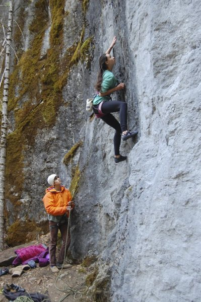 Gwen S. leading the 5.10 on Nimby wall.