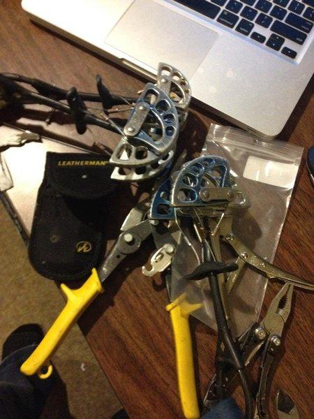 Rock Climbing Photo: repairing #2/3 camalots