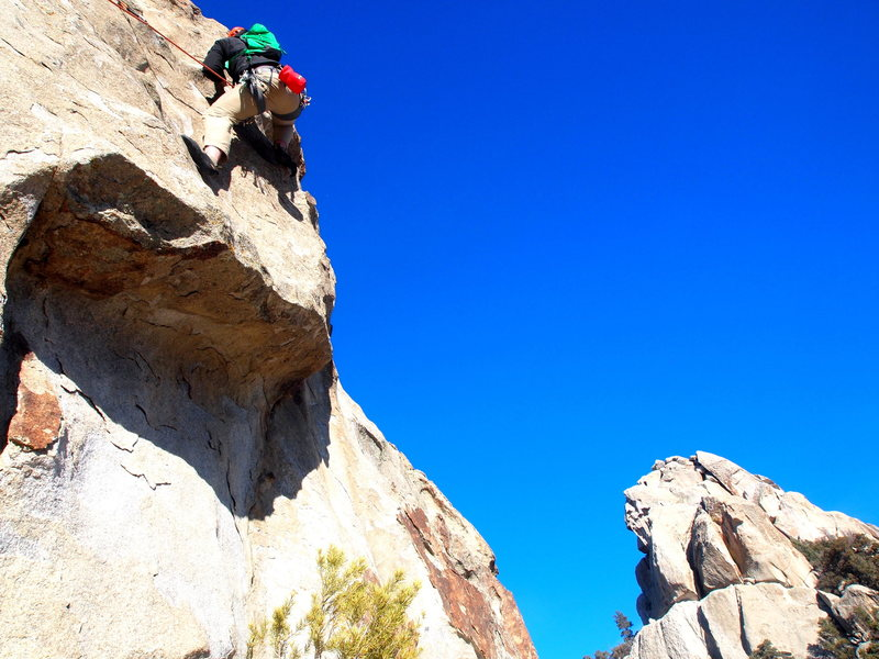 Rock Climbing Photo: Mantle at start of P3 along with the moves right a...