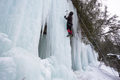 Rock Climbing Photo: Plenty of ice at the curtains (Dec 30, 2013)