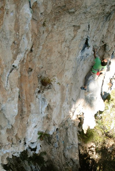 Rock Climbing Photo: Rodrigo on the start after the first big stalactit...