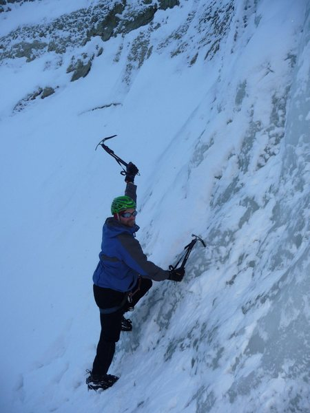 Rock Climbing Photo: Nice hike on ice in the gully.