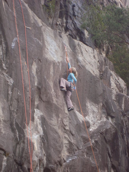Heading into the crux before the anchors.