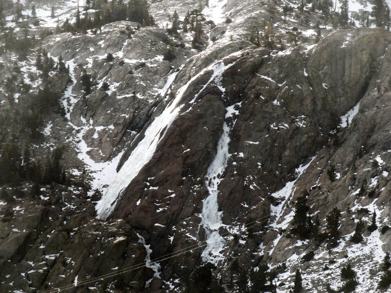 Horsetail Falls on the left with the North Gully being on the right. Low snow year with warmish temperatures. 1.10.14