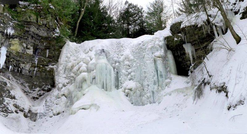 Rock Climbing Photo: Upper Falls