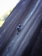 Rock Climbing Photo: Leading Klahanie Crack, Shannon Falls, Squamish, B...