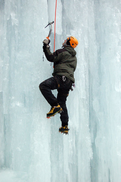 Kenny ice climbing at Junkyard.
