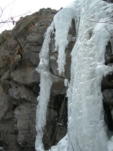 Rock Climbing Photo: Bits of ice. WI3 on the right and WI5 briefly on t...