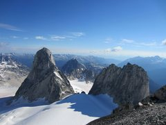 Rock Climbing Photo: Bugaboo & Snowpatch Spires from Pigeon Spire
