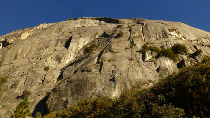 Reeds Pinnacle. Route goes up the middle. Starts from the white streak and continues up.