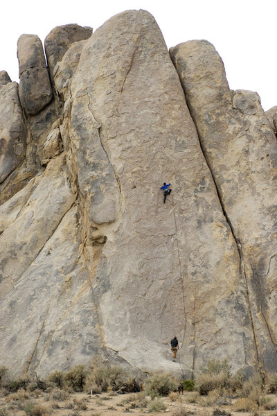 Climbers on the Alabama Hills classic Bananarama (5.8), on the Tall Wall.