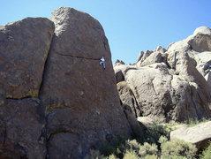 Rock Climbing Photo: Joe Watkins climbs Hoodgie, in the Alabama Hills