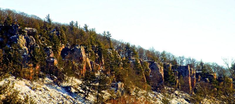 Rock Climbing Photo: Morning Alpenglow strikes East Bluff Rampart