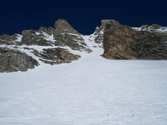 Rock Climbing Photo: Looking up at the Ellingwood Couloir. The couloir ...