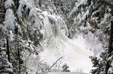 Rock Climbing Photo: In winter. Credit: Susan Bibeau