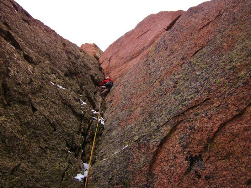 Rock Climbing Photo: The pink corner of P4. Nice edges, takes great gea...