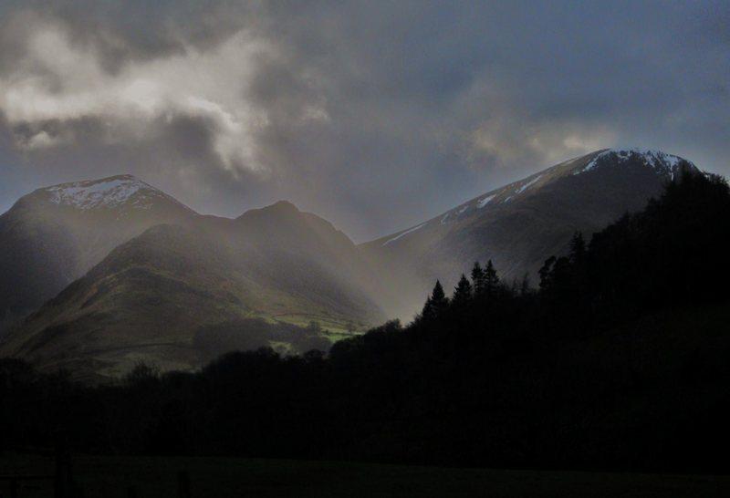 Rock Climbing Photo: Mt's Hindscath and Robingson. Lake District UK. Fe...