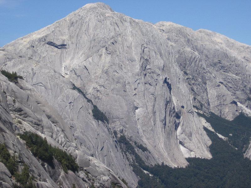 Rock Climbing Photo: A view of Cerro Trinidad from a wall in Valle de P...